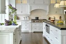 Kitchens / Truly the heart of the home and my favorite room in any house! / by Maggie Carlson Mantovani