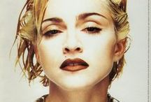 Madonna by... / Madonna in the eye of the camera.