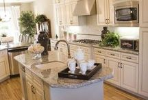 Kitchen/Dining / by Linda Ackels