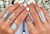 Jewelry / Jewelry that I would LOVE to own or that completes and makes any outfit!