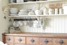 Homely / by Kirsty Cotton