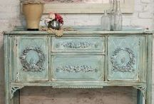 Farmhouse Cottage Furniture / Furniture that will feel at home in a farmhouse cottage.