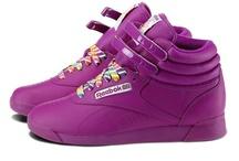 Zapatillas Retro Shoes / by Taconless .