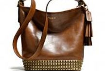 Shoes and totes / by Jessica Espinosa