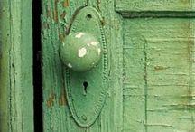 mint-fern-hunter green