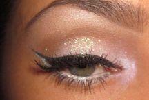 MAKE UP / Make up- make up and more make up  / by Anneliesse Rek
