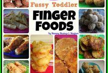 PARTY FOOD, SNACKS & FAST FOOD / Fast food  / by Anneliesse Rek