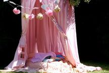 hApPy gLaMpeR / inspiration & tips for my glamping themed gatherings