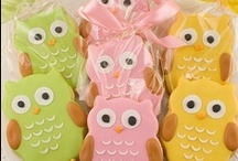 Owl Birthday Party Ideas & Tips / Owl Birthday Party ideas and tips featuring invitations, favors, and decorations.