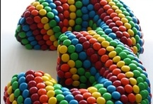 Rainbow Birthday Party Ideas / Rainbow birthday party ideas for fun colorful parties.