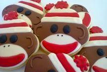 Sock Monkey Birthday Party Ideas / Great birthday party ideas for a sock monkey themed birthday party.