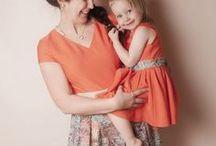 Mama Tochter Partnerlook / Was lieben alle Töchter? Genau Mama's Kleiderschrank zu plündern und Kleider probe zu tragen. Bei uniqueStyler kann man sein individuelles Traumkleid designen und mit einem Knopfdruck das passende Tochterkleid direkt mitbestellen.