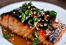 Mmmm | Good Eating / by Kristie Rhae