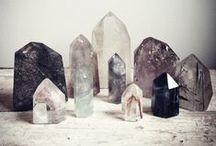 Bohemian // Festival Inspiration + Style / festival styles. boho + hippie fashion. free spirits. rocks + minerals.