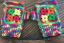 Crochet gloves, mitts and wrist warmers / Virkade vantar, handskar och handledsvärmare