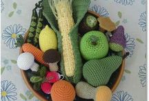 Crochet food, fruit and Cakes / Virkad mat, frukt och kakor