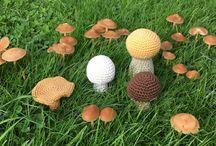 Mushrooms / Handarbete svampar