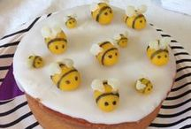 Qui fait bzz ? BEE PARTY / Bee Party for the release of our new book app #HoneybeeParty #Party #BlackCatParty #kidsapp