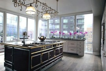 Kitchens / by Caroline DeCesare