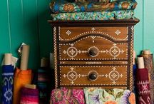 DIY Furniture & Painting / by Meru Aray Matthews