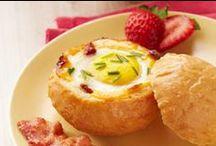 Omnomnom: Breakfast / Breakfast Foods / by Stephanie Keever
