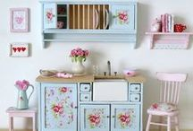 Craft- Doll house / by Jeanette Brinkerhoff