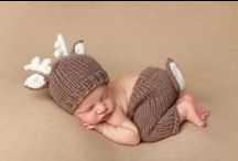 Newborn Photography / Ideas and inspiration for newborn photo shoots! Everything from outfits, accessories and poses <3