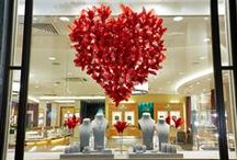 MAPPIN & WEBB / Prop Studios collaborated with Mappin & Webb in creating their campaign for Valentine's Day. The scheme was then rolled out to 14 stores in the UK.