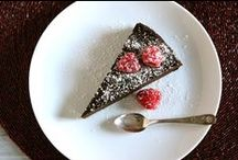 Delish Dish - Cakes to Attempt / For when I feel brave enough and have the time to devote to it! / by Jordan Duncan
