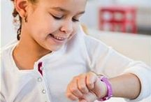 Elle Girl Horloges / Geweldig leuke collectie van Elle voor Girls met diverse designs.  De horloges zijn ontworpen met als thema Lili, een meisje die in Parijs woont met haar hondje Balthazar. Lili is een zelfverzekerde meid met veel vriendinnen en hobby's. Op de bedrukte wijzerplaten zijn figuurtjes en thema's in 3D aangebracht. De Elle girl horloges zijn geschikt voor meisjes en meiden vanaf 8 jaar. U ontvangt het horloge feestelijk verpakt in een heel leuk blik.