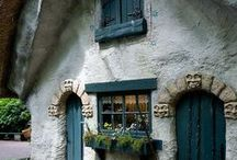 oLdE DuStY tEaL LaNe CoTtAgE / by JeRrY