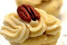 cupcakes / by Lauren Shelley Rodriguez