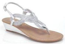 Shoe options / by Stephanie Brooks