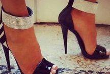 zapatos / by Roser Pachón