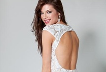 Wedding-Apparel  / Now find your affordable elegant/luxurious wedding dresses HERE!Shop for Wedding Apparel at honeybuy.com, We offer amazing cheap prices. Quality unique Wedding Apparel of different styles are available.