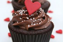 Recipes: Sweets & Desserts / by Katelyn Lyon