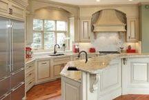 Home: Kitchen & Pantry Ideas / by Katelyn Lyon
