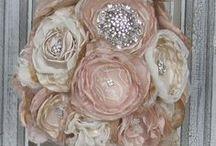 Wedding Brooch Bouquets / Unique wedding brooch bouquets!