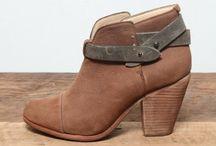 shoe la la / by Bailey Roedl-Nehls