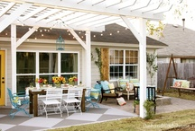 Outdoors | Backyards | Planters / by Carrie Alleman