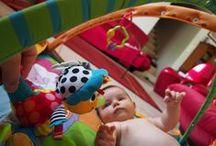 #TOMY_MBC / 80 Bonnes Copines ont été sélectionnées pour recevoir Tom le Tricératops et Léo le Bourricot, deux nouveaux personnages de la gamme Lamaze. A la maison, dans la voiture, au parc ou encore sur la plage, elles ont ainsi pu expérimenter avec leur bébé ou celui d'une femme de leur entourage ces jouets conçus pour le stimuler, l'éveiller et l'aider à bien grandir. Voici les photos de leur expérimentation. Pour en savoir plus : http://www.mesbonnescopines.com/tomy/