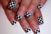Love those nails!!!! / by Michele Sporleder