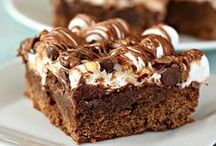 Brownies / Brownie lovers, come one, come all! Here are the best brownie recipes and brownie ideas, so follow for even more!