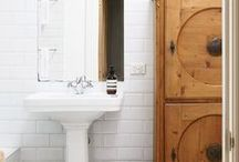 Home Design / Traditional meets contemporary. Black meets white. Natural wood meets white-washed floors.