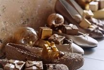 C H R I S T M A S     g e r m a n / Fooooood. Gifts in shoes. And a few pickles and belsnickels too.