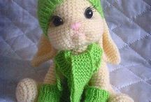 Amigurumi - Knit or crochet / These are so cute! Perfect for minis!!