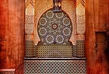 Morocco / Marruecos, oficialmente denominado Reino de Marruecos, también nombrado como Imperio Jerifiano o Reino Alauí, es un país situado en África del Norte, con costas en el océano Atlántico y el mar Mediterráneo. Wikipedia Capital: Rabat Prefijo telefónico: 212 Moneda: Dírham marroquí Población: 32.272.974 (2011) Banco Mundial Idioma oficial: Idioma árabe Gobierno: Parlamentarismo, Estado unitario, Monarquía constitucional, Monarquía