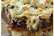 Blondies, Brownies & Bars / Super simple one-pan blondies, brownies and bar recipes!