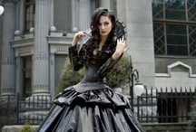 Gothic Wedding / Everything to do with a Gothic wedding - Decor, dresses, accessories, table decorations and cakes