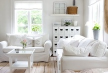 My little house - Livingroom / by Ami Nordstrom